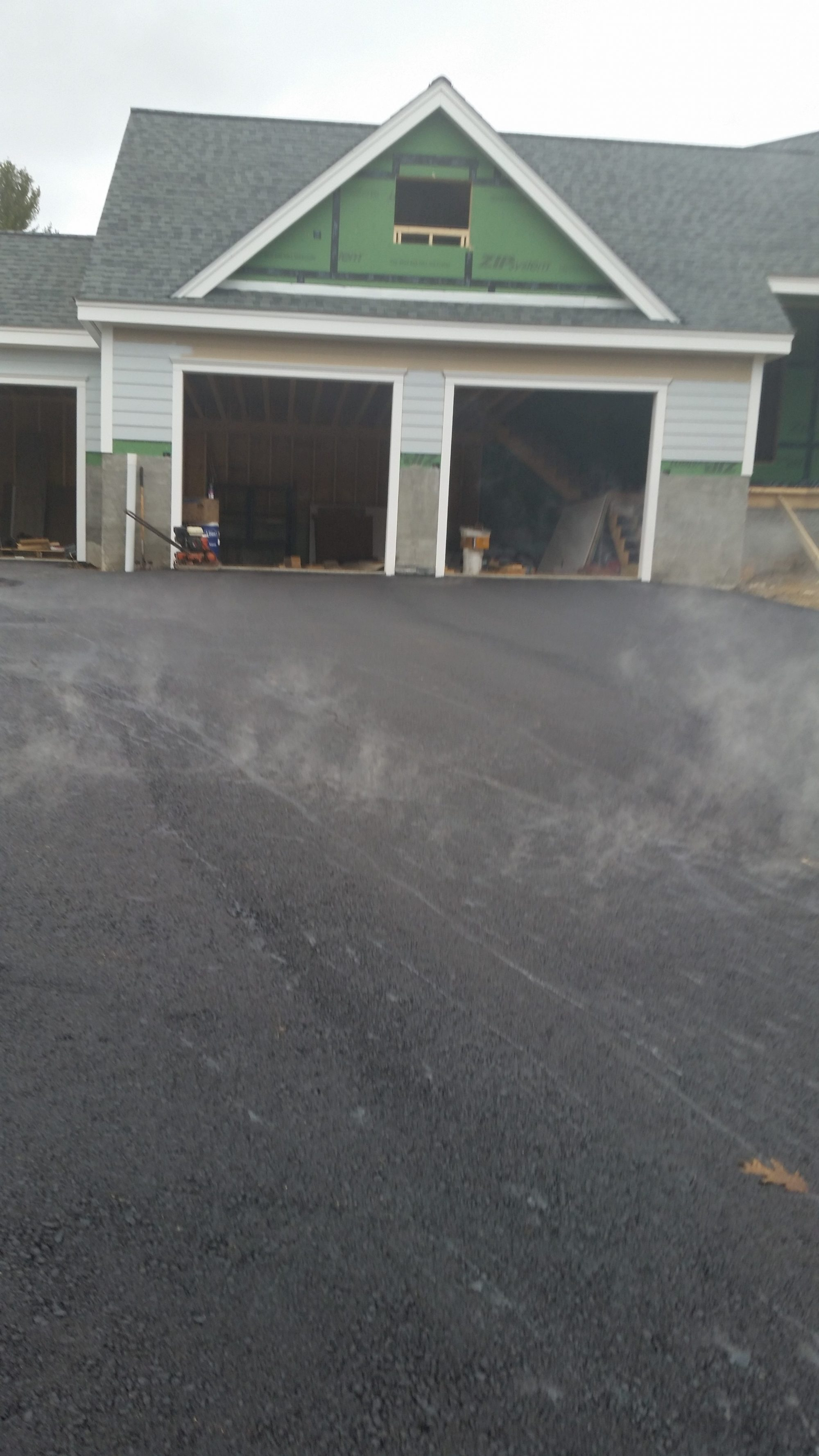 new pavement for residential driveway in NH